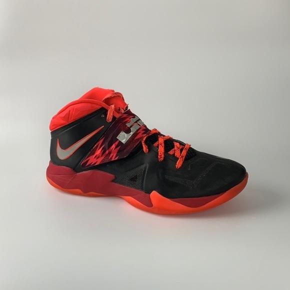 newest 292c8 ede0d Nike LeBron Soldier VII PP 7 Sz 11 609679-005